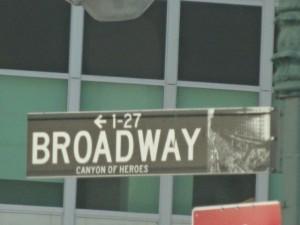 """Claudio sagte: """"und jetzt fahren wir auf dem Broadway""""... ok, kam die Antwort von hinten..."""