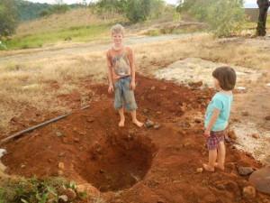 wieder ein Kompostloch gegraben...