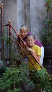 Mormor und Julia in Tankup.